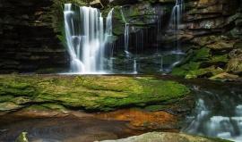 Státní park Blackwater Falls: Vodopády, které znáte z kalendářů
