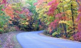 Blue Ridge Parkway: Je o 402 km delší než naše D1 a o 100 % krásnější