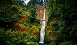 Vodopády Multnomah Falls: podívaná jako z Pána prstenů
