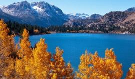 Zlato, horké prameny, sněhové závěje…u Mamutích jezer najdete všechno