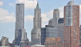 Víc než sto let starý mrakodrap zažil slávu s prezidentem a vykoukl po pádu dvojčat