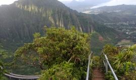Porušují zákon! Výhled z havajských schodů stojí turistům za honičky s ochrankou