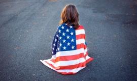 Každý 7. obyvatel USA má 10 kreditních karet aneb 11 věcí, které jste o Američanech nevěděli