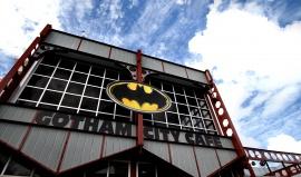 Kde by bydleli Batman a Homer Simpson, kdyby byli živí? Poznejte města se jménem jako z filmu