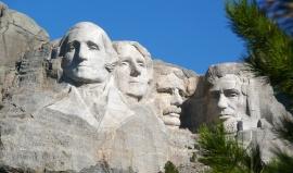 Proč jsou do Mount Rushmore vytesáni tihle čtyři prezidenti?