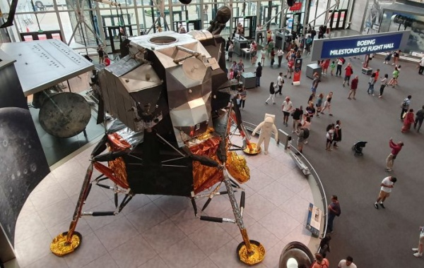 Ve Washingtonu mají Armstrongův lunární modul a další zázraky letectví a kosmonautiky
