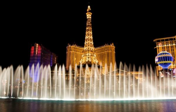 Eiffelova věž v hotelu Paris Las Vegas