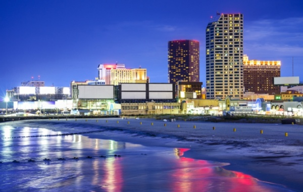 Atlantic City - pláž a mrakodrapy