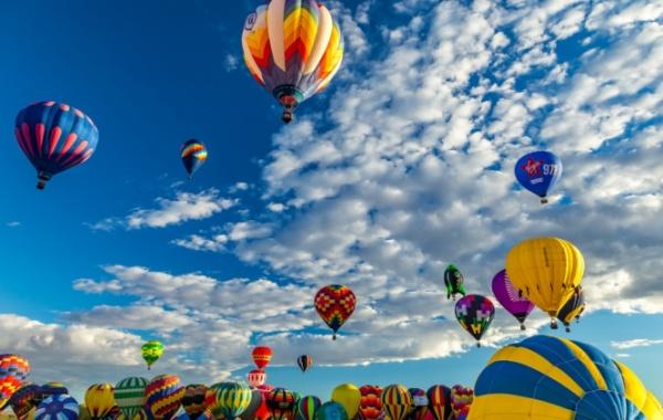 Největší festival horkovzdušných balonů