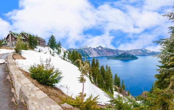 Znáte nejhlubší jezero USA? Je v kráteru sopky