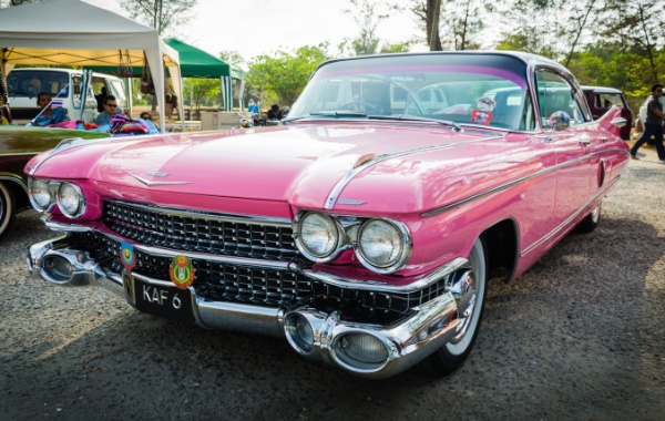 Automobilové legendy USA: Cadillac Sixty