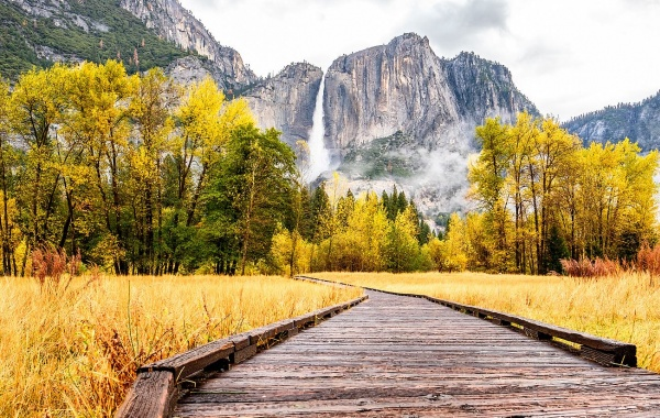 Yosemitský vodopád v období sucha