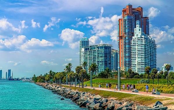 Klid a samota vedle světoznámé Miami Beach: Fisher Island