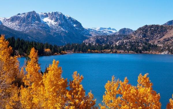Mamutí jezera v Kalifornii