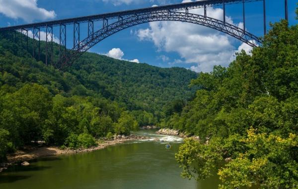 Most přes New River Gorge v Západní Virginii