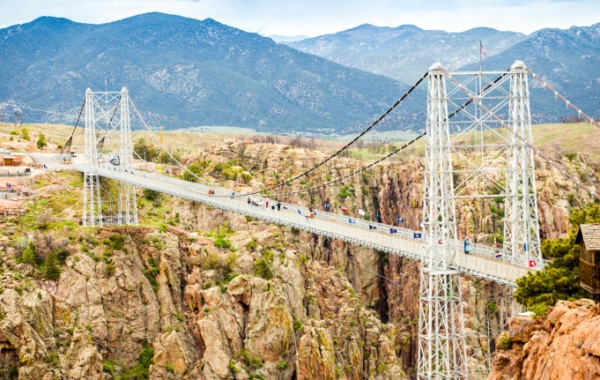 Royal Gorge Bridge: pekelný skluz do propasti