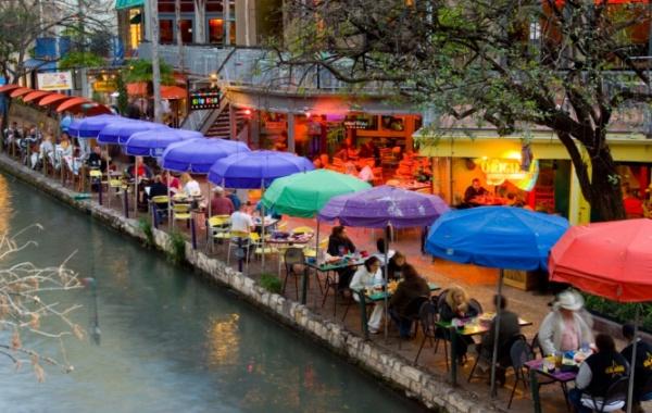 River Walk, San Antonio, Texas - Amerika.cz