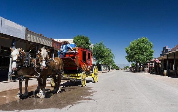Dostavník v Tombstone na Divokém západě