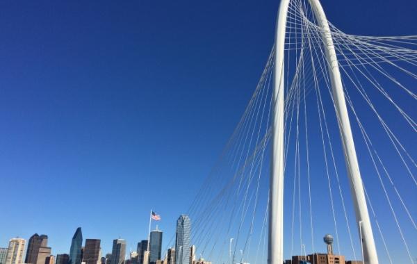 V Dallasu mají most s 365 m dlouhým obloukem