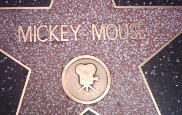 Sheldon Cooper a Harry Potter se dočkají hvězdy na chodníku slávy