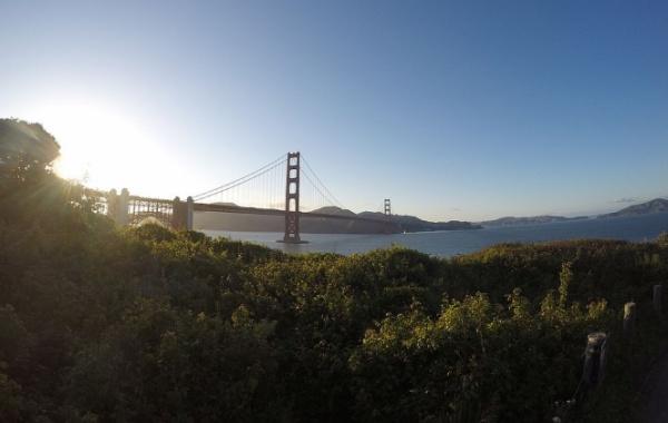 Golden Gate Bridge se dá jen fotit