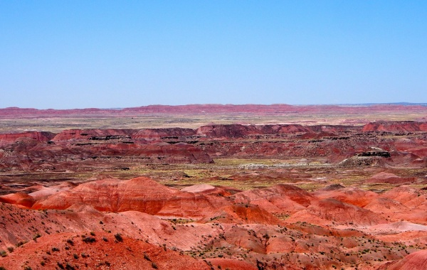Painted Desert s modrou oblohou