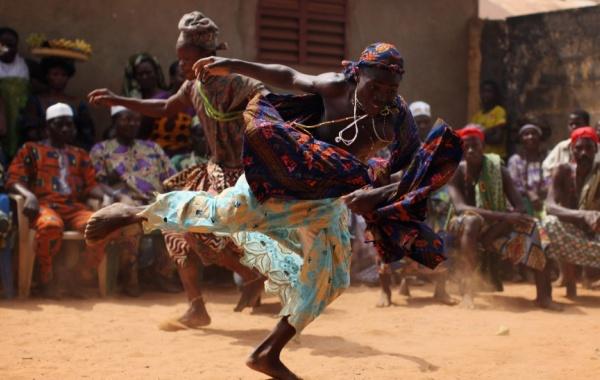 Ukázka obřadního tance vúdú