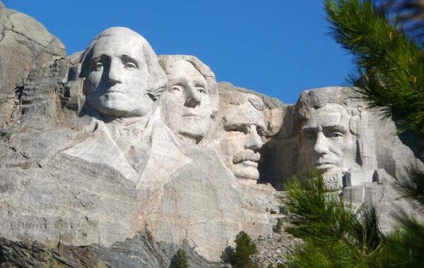 Portréty prezidentů na Mount Rushmore v Jižní Dakotě