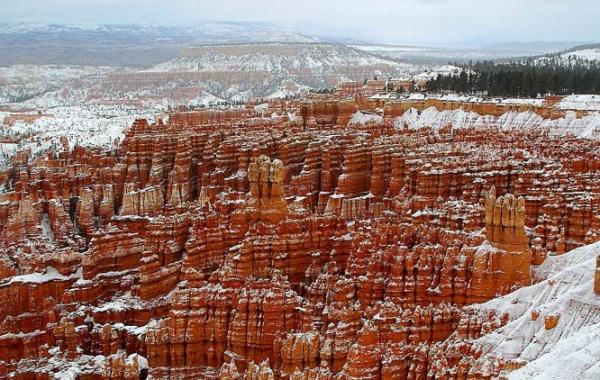 Zasněžený Bryce Canyon, Utah