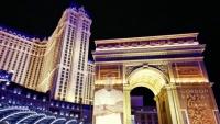 Paříž tady přípomínají typické symboly