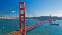 Panorama zálivu a visutého mostu Golden Gate v San Franciscu, Kalifornii v USA.