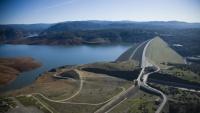 Oroville, Kalifornie - největší sypaná přehrada v USA