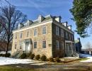 Nejstarší budovou Bronxu je The Van Cortlandt House. Pochází z roku 1748.