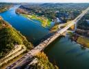 Pennybackerův most v Texasu z výšky