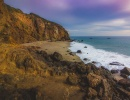 Pirátská zátoka na pláži v Kalifornii