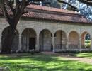 Starobylý klášter sv. Bernarda v North Miami Beach